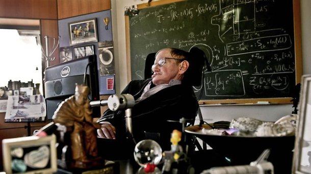 Como se comunica Stephen Hawking?